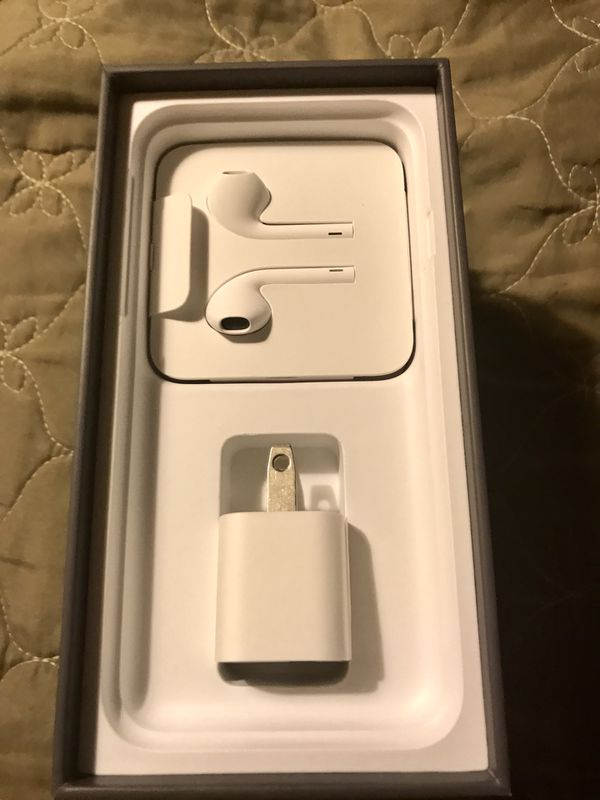 APPLE IPHONE 8 EAR PODS CHARGER SET NEW for Sale in