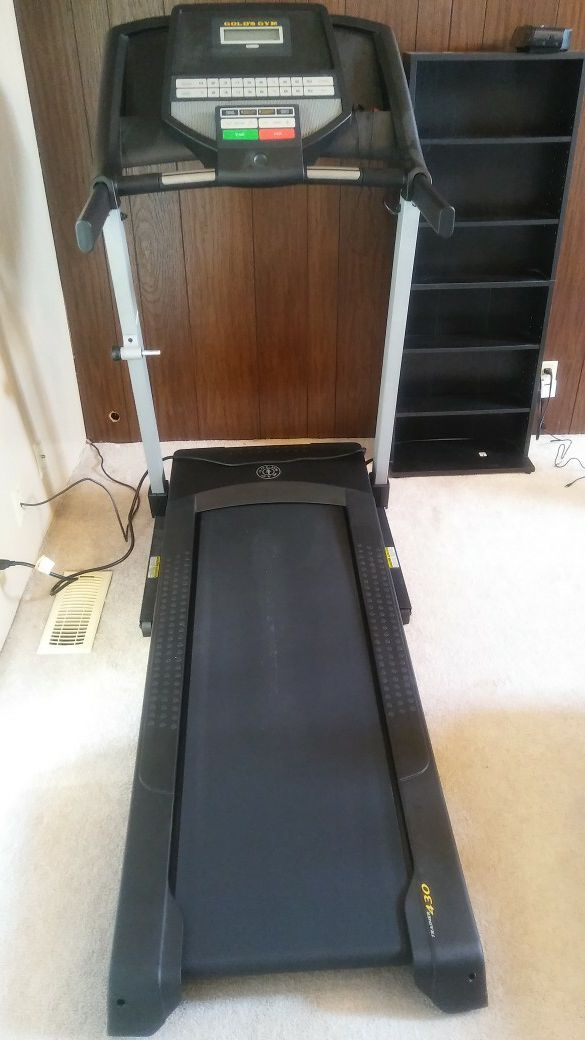 c6dd68eaa2a Gold s Gym Trainer 430 Treadmill for Sale in Bremerton