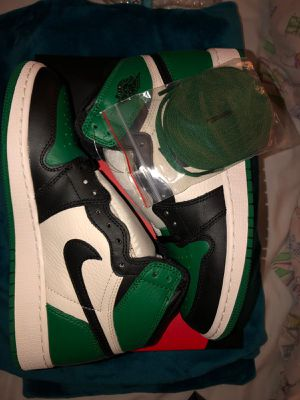 Air Jordan 1 Retro Pine Green for Sale in Miami, FL