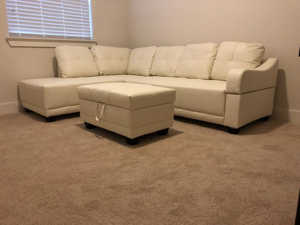 Large White Bonded Leather Sectional Sofa Couch 🛋 3 Piece w Storage  Ottoman for Sale in Houston, TX - OfferUp