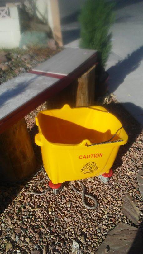 Mop bucket w/professional mop (no ringer)