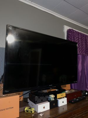 """32"""" Sharp TV HD 1080p for Sale in Pittsburgh, PA"""