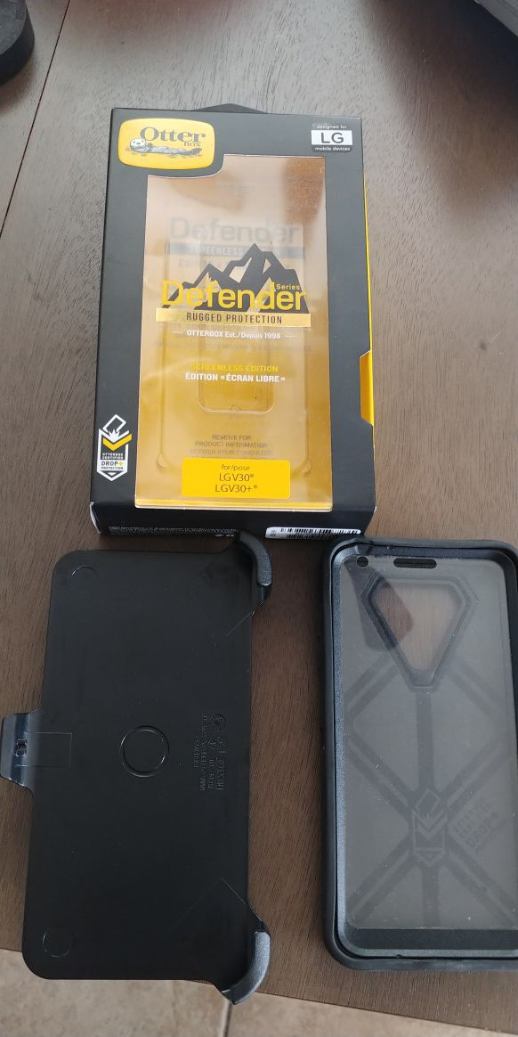 low priced 9e4b9 9fa8e LG V30/ V30+ OTTERBOX DEFENDER for Sale in Downey, CA - OfferUp