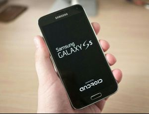 SamsungGalaxy S5  Factory Unlocked + box and accessories + 30 day warranty for Sale in Fairfax, VA
