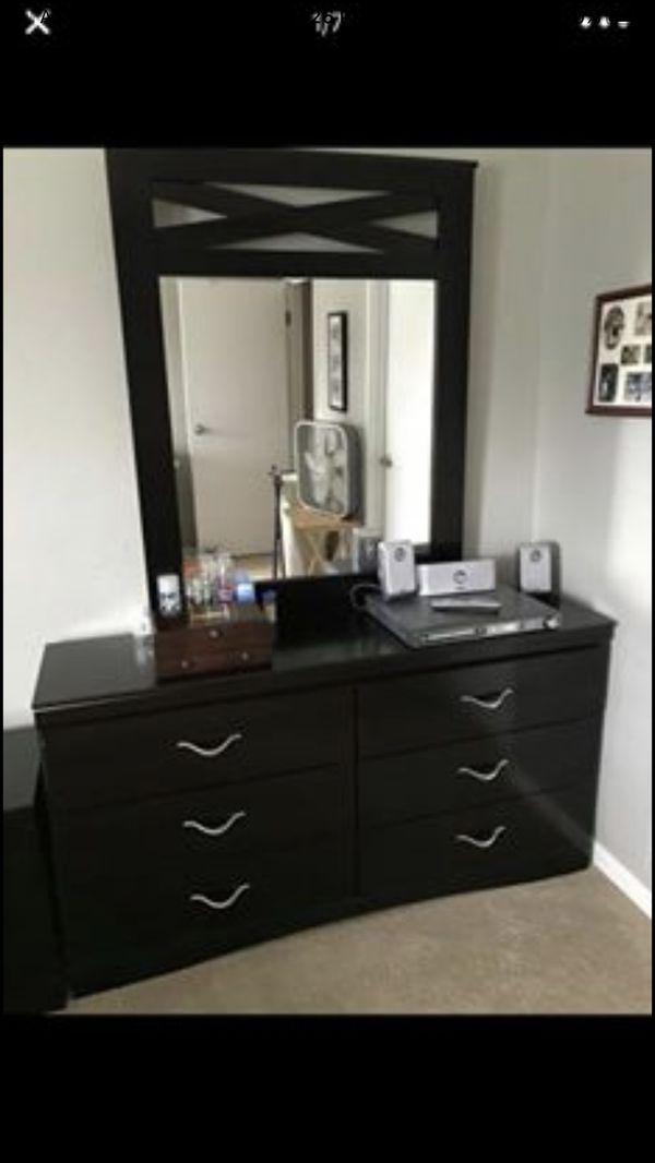 Queen Bedroom Furniture for Sale in East Lansing, MI - OfferUp