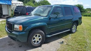 2000 GMC YUKON DENALI 4x4 for Sale in Miami, FL