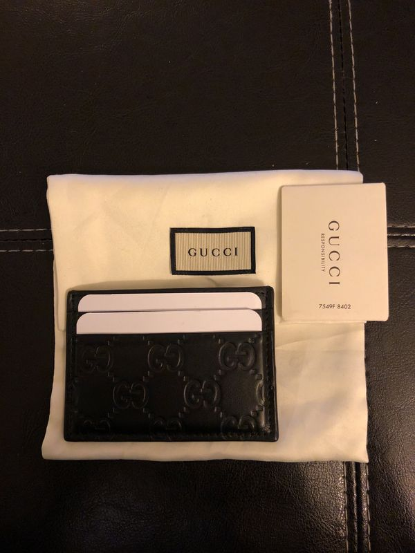128e512145d Gucci Signature Cardholder w  money clip for Sale in Alhambra