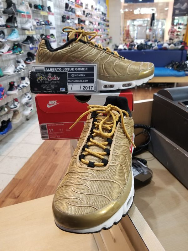 80fff1d77de96 Nike Air Max Plus QS Metallic Gold Size 11 for Sale in Silver Spring ...
