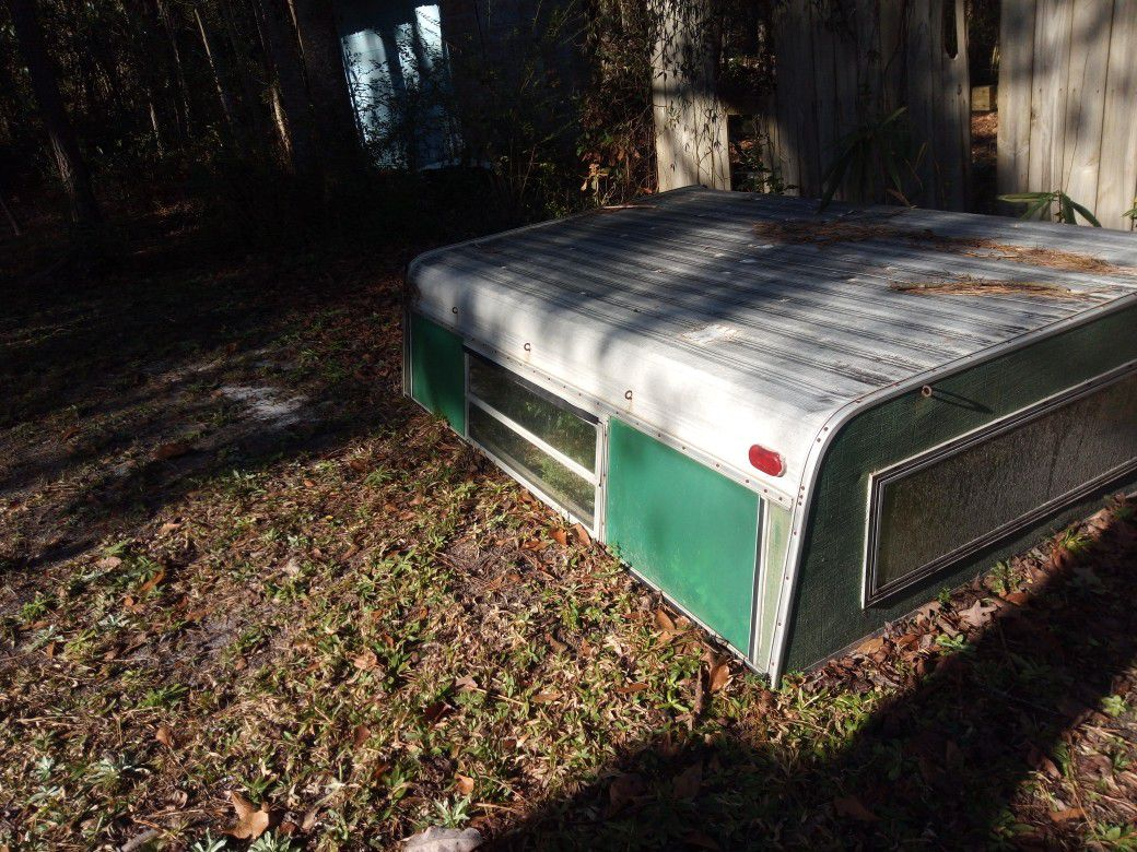 Photo Ford camper shell 6ft x8ft