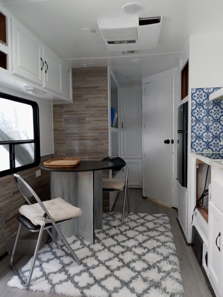Camping Trailer Like new