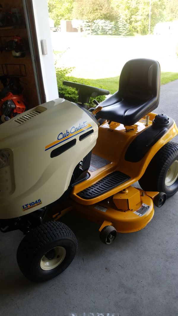 Mint cub cadet 20hp lt 1045 needs seal 222hrs 600 00 for Sale in Lebanon,  PA - OfferUp
