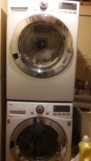 LG he Washer-Dryer steam pair w stand,extended warranties for Sale in Baltimore, MD