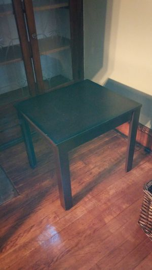 End tables and center table for Sale in Cleveland, OH