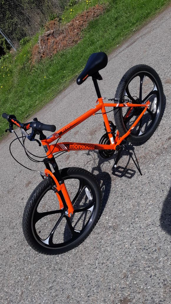 Mongoose 24 Alert Mag Wheel Bike With Steel Frame And Amp