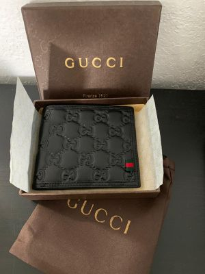 Gucci wallet for Sale in Miami, FL