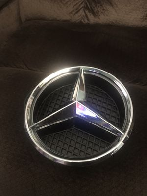 Mercedes Illuminated LED Light front grill Emblem for Sale in Palmdale, CA
