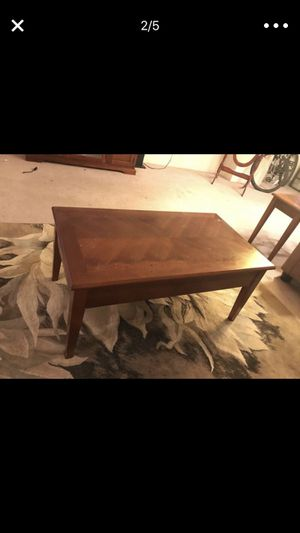I would like to sell the tea table and I would like to sell the sofa and tea table $370 for Sale in Cleveland, OH