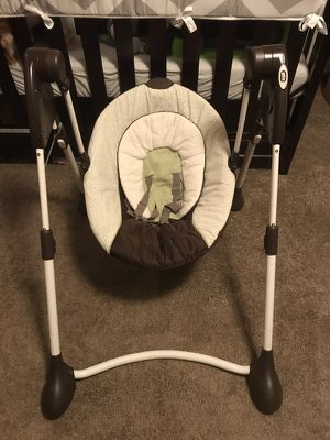Graco Baby Swing - Brown, white, light green for sale  Pittsburg, KS