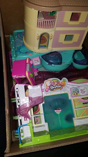 Box full of LPS and Shopkins houses for Sale in Orlando, FL