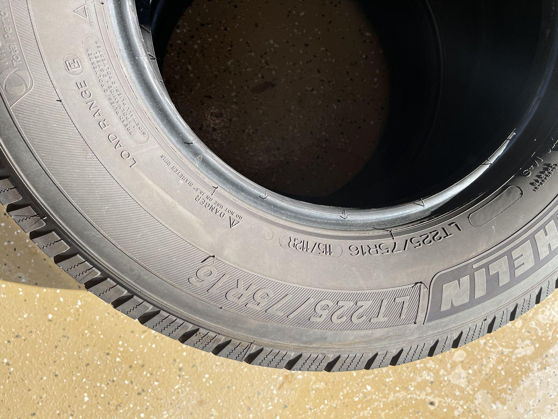 Michelin Defender LT225/75R16 Pair