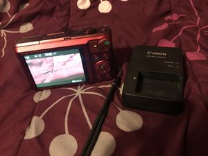 LIKE NEW CANNON DIGITAL CAMERA WITH BATTERY AND CHARGER for Sale in Springfield, VA