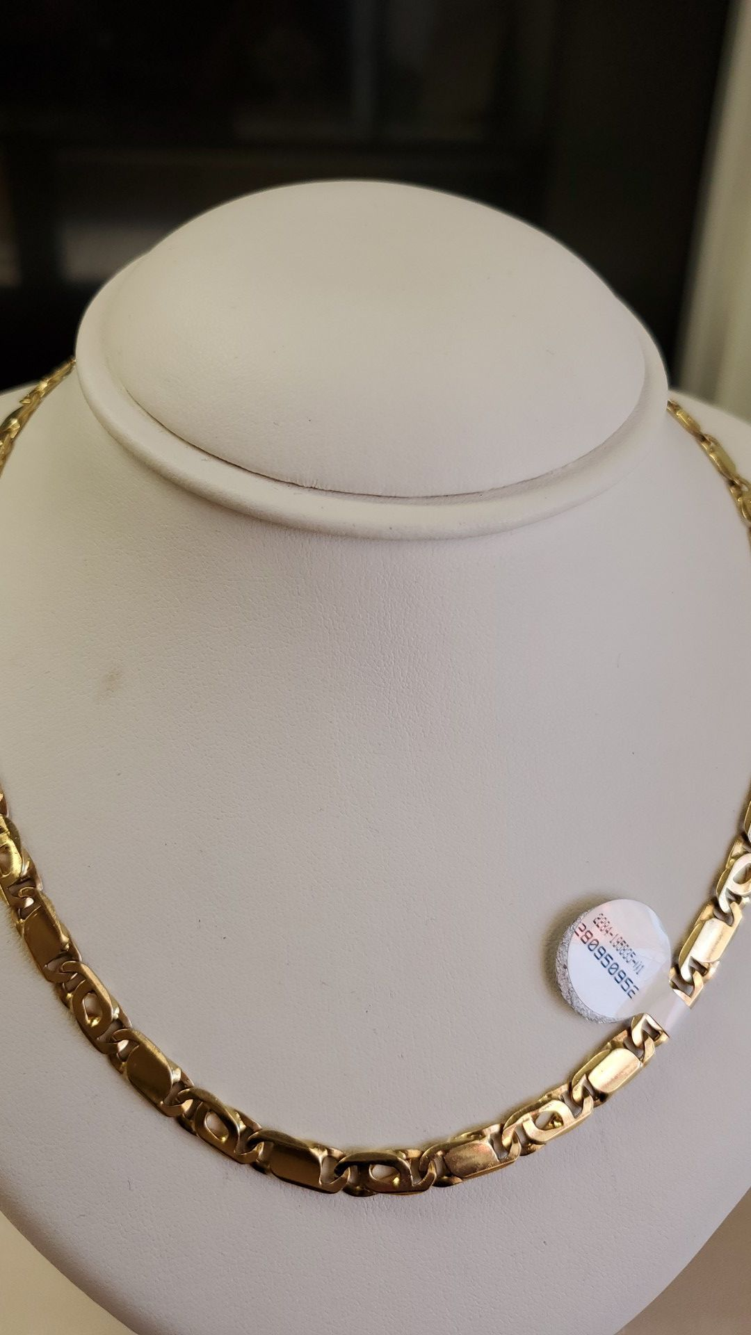 14k gold necklace 39.7 grams 24long if you are interested ask for maribel thank you