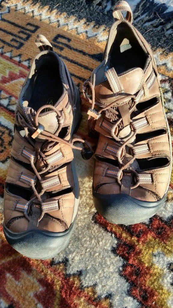 727db153944f KEEN Men s 9.5 Arroyo II hiking trail sport sandal shoes waterproof ...