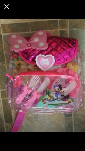 Minnie Mouse Happy Helpers Backpack with Play Picnic Set for Sale in Lansdowne, VA
