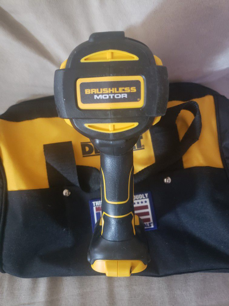 Dewalt XR 1/2 Brushless 3 Speed High Torque Impact Driver  And Contractor Bag