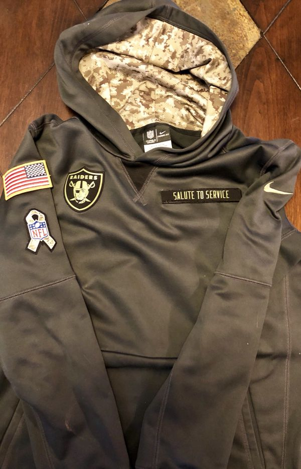 official photos 97505 92ad9 Oakland Raiders Salute to Service Hoody for Sale in Midway City, CA -  OfferUp