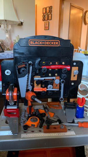 Photo Black and decker play work bench