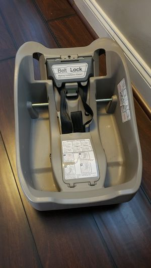 FREE Eddie Bauer car seat base for Sale in Baltimore, MD