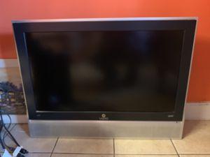 Vizio 32 inch tv for Sale in Riverdale, MD