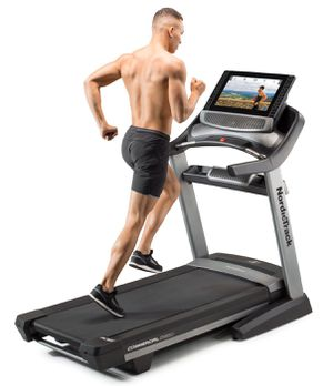 NordicTrack Commercial 2950 Treadmill for Sale in Forest Heights, MD
