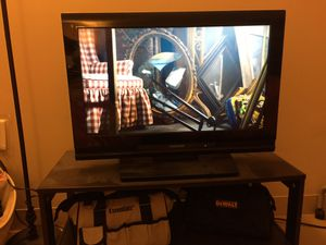 Flat screen TV with stand for Sale in Boston, MA