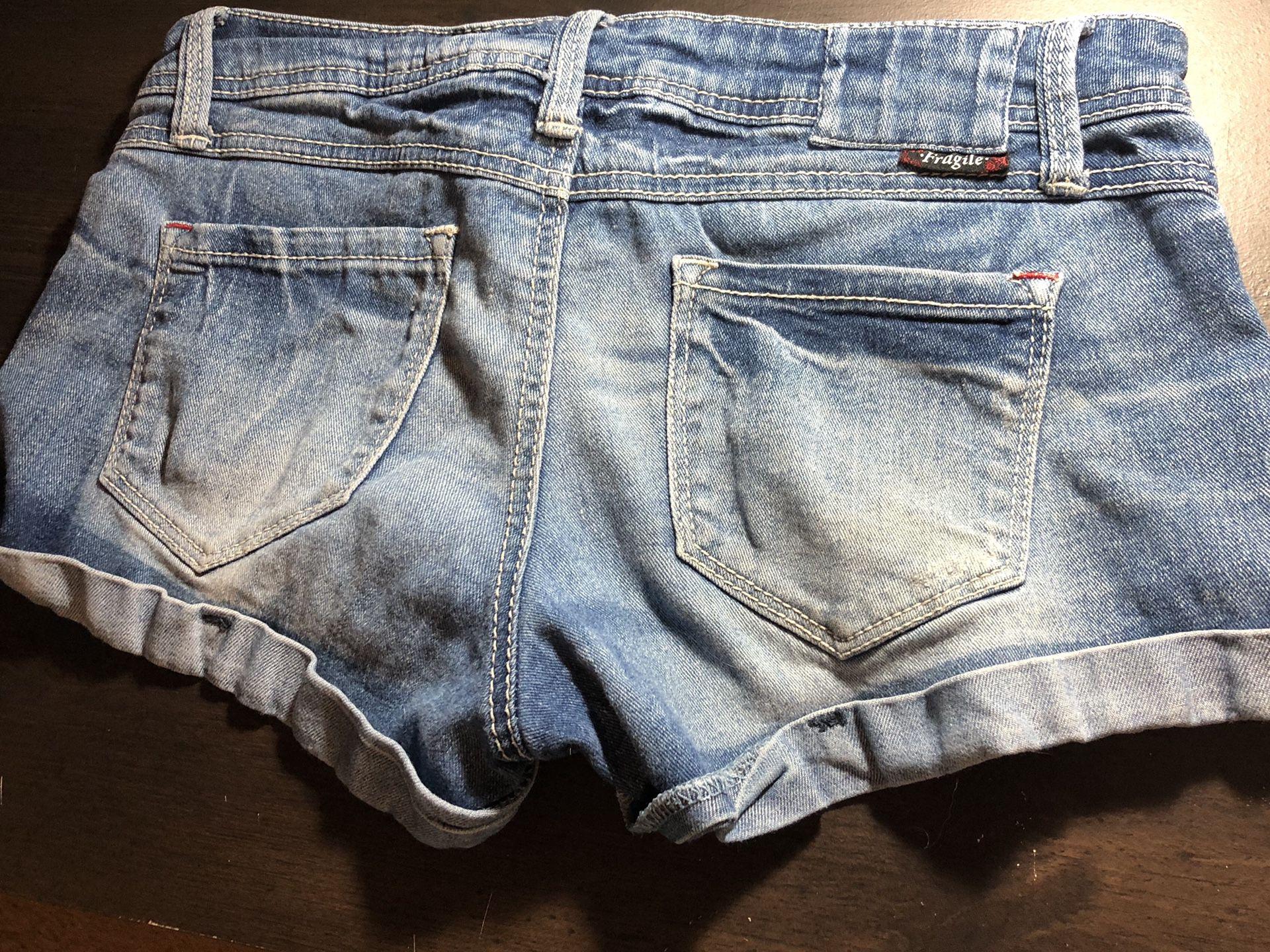 Women's size 7 jean shorts