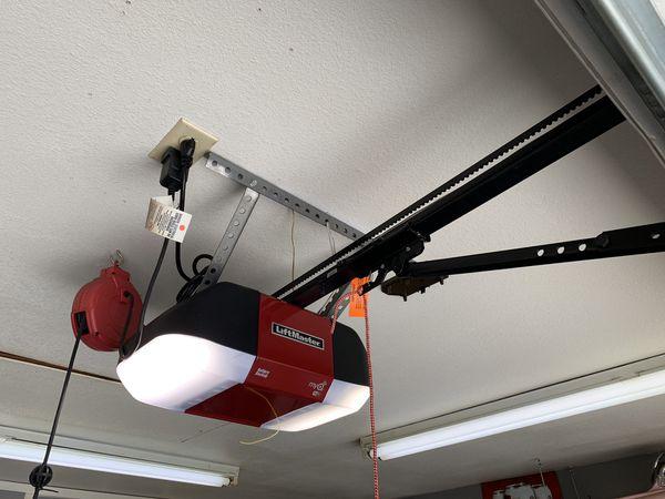 Liftmaster Wled Garage Door Opener For Sale In Montebello Ca Offerup