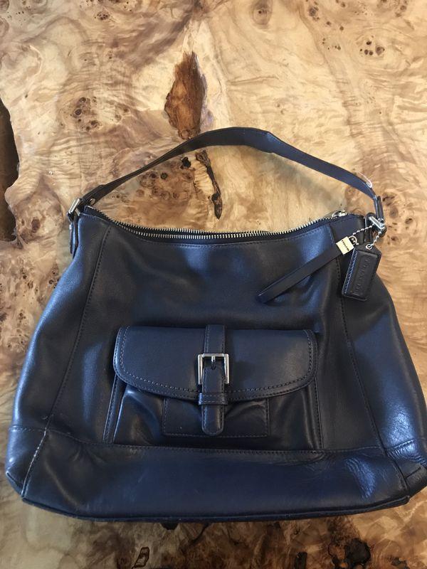 9ea906ba82 Navy blue coach handbag for Sale in Puyallup