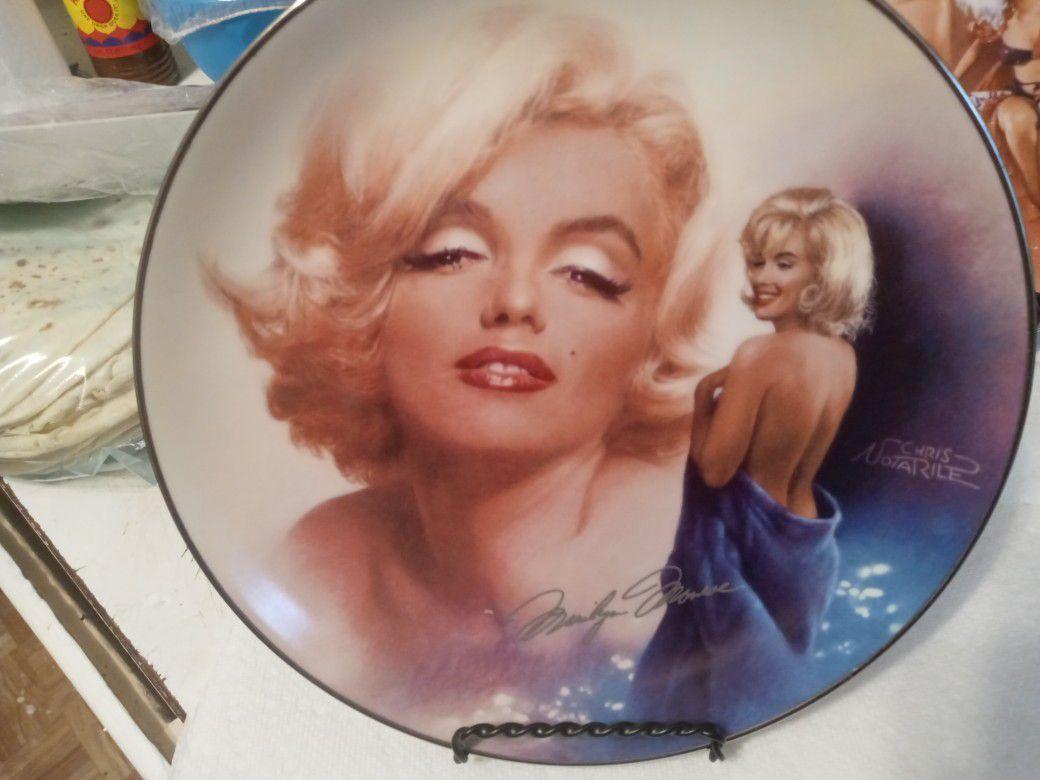 Marylin monroe plates ....