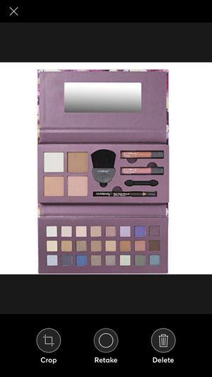 Ulta Deluxe Makeup Palette for Sale in Chicago, IL