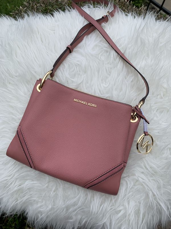 3ddfc31104c480 Michael Kors Nicole Triple Compartment Crossbody for Sale in ...