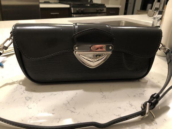 621879b5aef1 Louis Vuitton Montaigne clutch shoulder bag for Sale in Chicago
