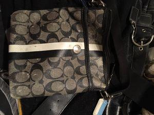 Coach sling bag for Sale in Orlando, FL
