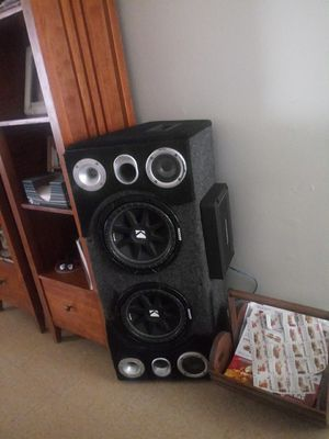 Photo Dual 12 in comp subwoofer and amp