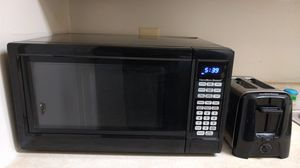 Hamilton Beach Microwave Oven and Toaster for Sale in Germantown, MD