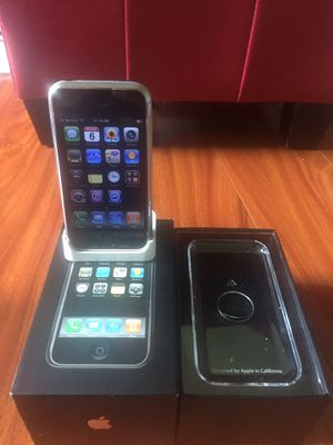 Photo **Rare**Original IPhone first gen 2G 4GB**Collectible item**