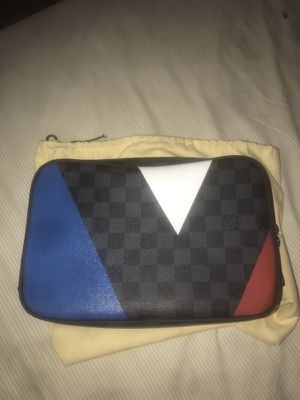 9f44a5eefb57 Louis Vuitton Americas Cup Toiletry Bag for Sale in Roselle