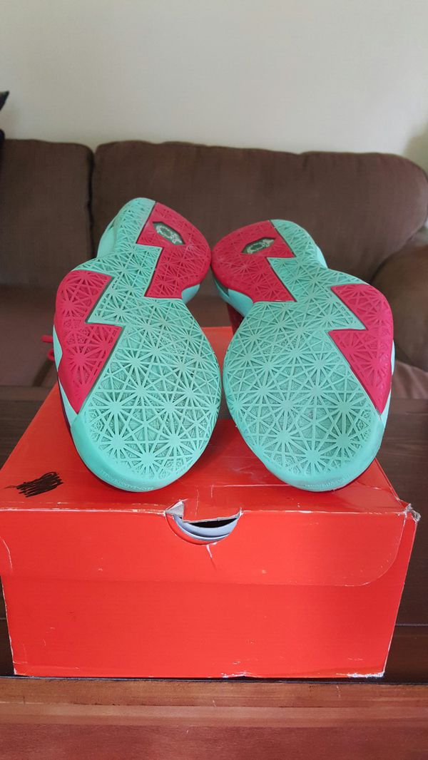 Nike Christmas KD 6 for Sale in Richmond, VA - OfferUp