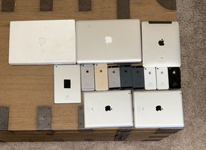 HUGE Apple Bundle iPads/iPhones/MacBooks for Sale in Munster, IN