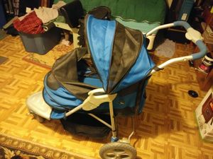 Dog stroller for Sale in Hixson, TN